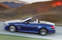 Mercedes-Benz SL 400, side action