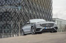 Mercedes-Benz E 300 de, front static