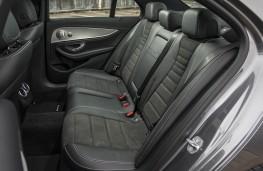 Mercedes-Benz E 300 de, rear seats