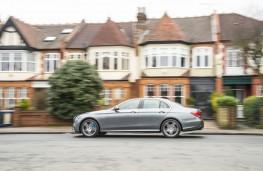 Mercedes-Benz E 300 de, side action 2