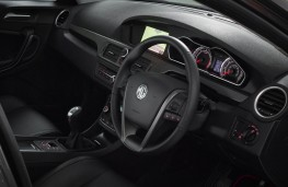 MG6, interior