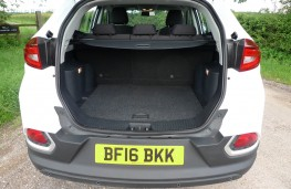 MG GS, boot (1)