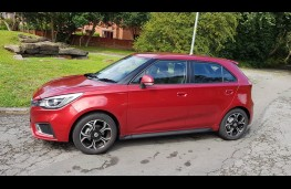 MG3 1.5 Excite, side