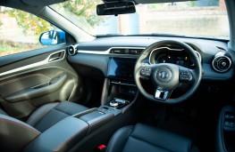 MG3, 2018, interior