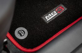 MG3, 2018, mat