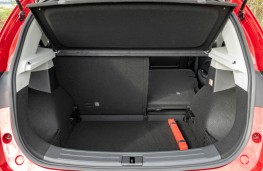 MG ZS, boot