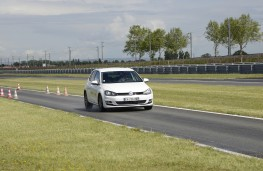 Michelin tyre testing, dry braking, VW Golf, front