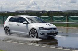 Michelin tyre testing, wet stop, VW Golf