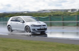 Michelin tyre testing, wet stop, VW Golf, mid range tyres