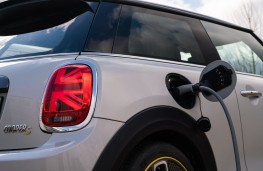 MINI Electric Cooper S, 2020, charging