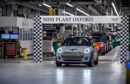 MINI Electric Cooper S, 2020, Cowley production line