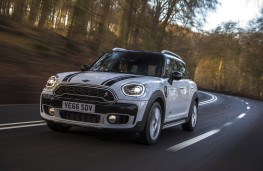 MINI Countryman, front action 2