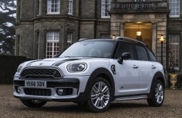 MINI Countryman, front static
