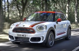MINI John Cooper Works Countryman 2020 front action
