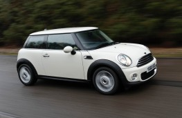 MINI One D, side