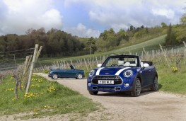MINI Convertible 25th Anniversary Edition with original Mini Convertible