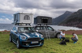 MINI Countryman with AirTop roof tent