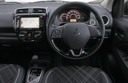 Mitsubishi Mirage, 2020, interior