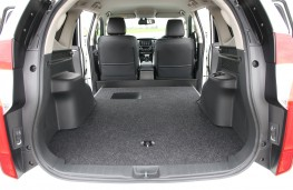 Mitsubishi Shogun Sport Commercial load space