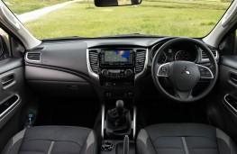 Mitsubishi L200, dashboard