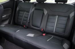 Mitsubishi L200, rear seats