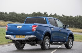 Mitsubishi L200, rear quarter