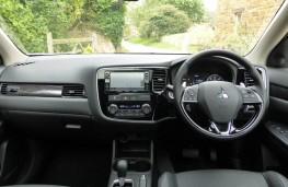 Mitsubishi Outlander, dashboard
