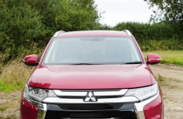 Mitsubishi Outlander, front full