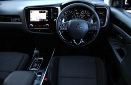 Mitsubishi Outlander, interior