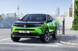 Vauxhall Mokka-e, 2020, front, charging