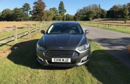 Ford Mondeo Hybrid, front