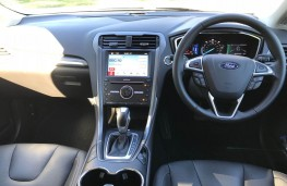 Ford Mondeo Hybrid, interior