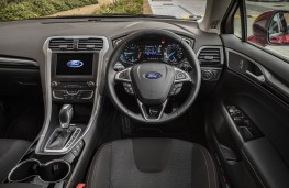 Ford Mondeo ST-Line, dashboard