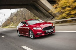 Ford Mondeo ST-Line, front action