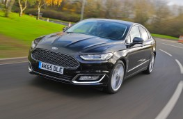 Ford Mondeo Vignale, front