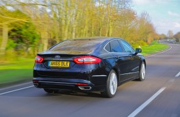 Ford Mondeo Vignale, rear