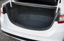 Ford Mondeo hybrid, boot