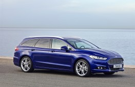 Ford Mondeo Estate, side, static