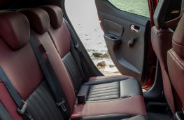 Nissan Micra 1.0, 2017, rear seats