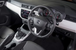 SEAT Arona, 2018, interior