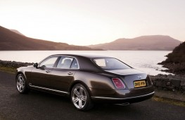 Bentley Mulsanne, rear