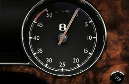 Bentley Mulsanne, rev counter