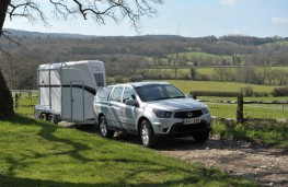 SsangYong Musso, 2017, towing horsebox