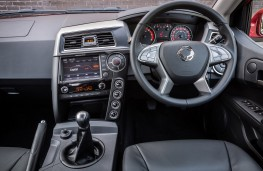 SsangYong Musso pick-up, 2016, interior
