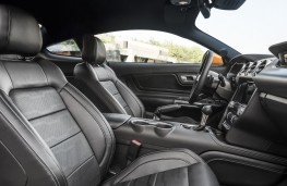 Ford Mustang, 2018, cockpit