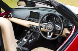 Mazda MX-5, interior