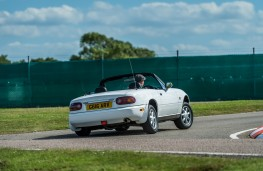 Mazda MX-5 Mark One, rear