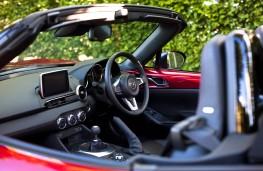 Mazda MX-5 2015, cockpit