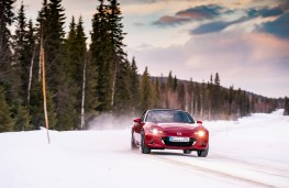 Mazda MX-5, Arctic drive 2019, front, action, forest
