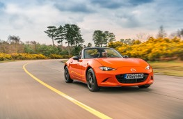Mazda MX-5 30th Anniversary Edition, 2019, front, action